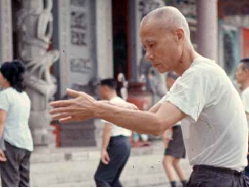 Medium shot Tai Chi